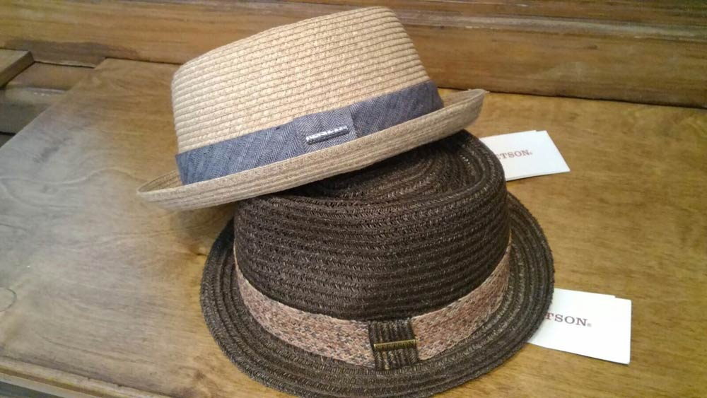 ... Cappello Pork pie e cappello classico in paglia Stetson ... e9c0dad7ad0b