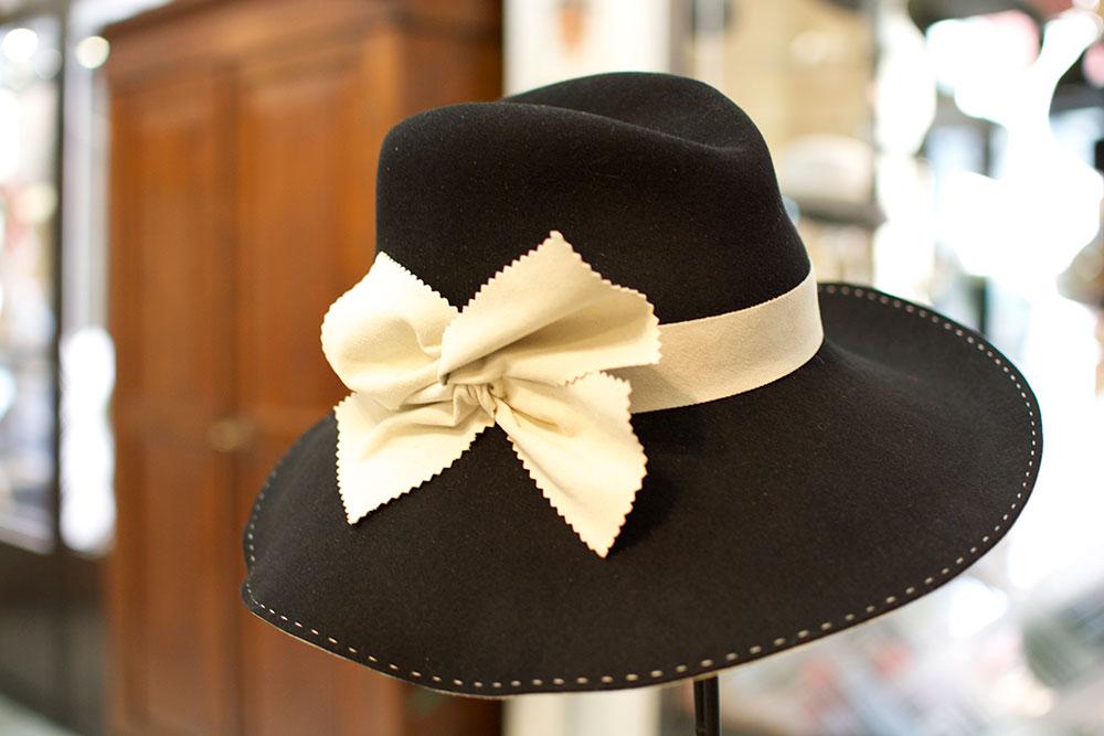 Cappelli donna baschi cappelli da cerimonia a bologna for Cappelli per matrimonio